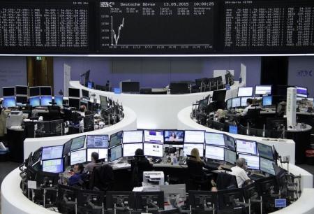 مخاوف سوق السندات وانتعاش اليورو يهبطان بالأسهم الأوروبية